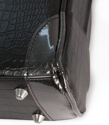 Milano - Black (Large) (Laptop Bag) - Four metal feet allow it to keep the bag clean of dirt
